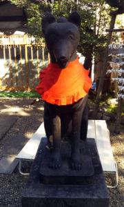 三囲神社 狐(向かって右)