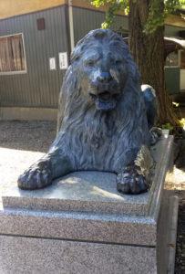 三越 ライオン像