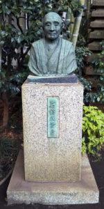 葛飾北斎の銅像